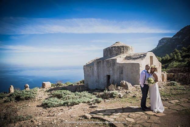 Le coppie stranierie scelgono le Egadi. Le nozze più belle a Marettimo e Favignana