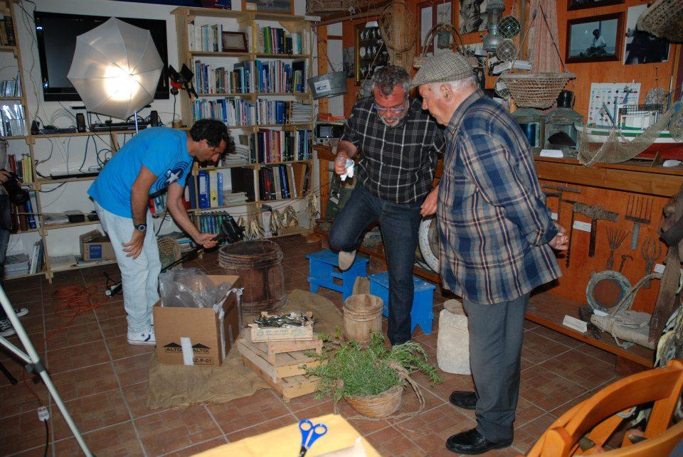 """Riccardo Cingillo presenta """"SUTTA SALI""""  un docu-videoi sull'antica attività della salagione del pesce"""