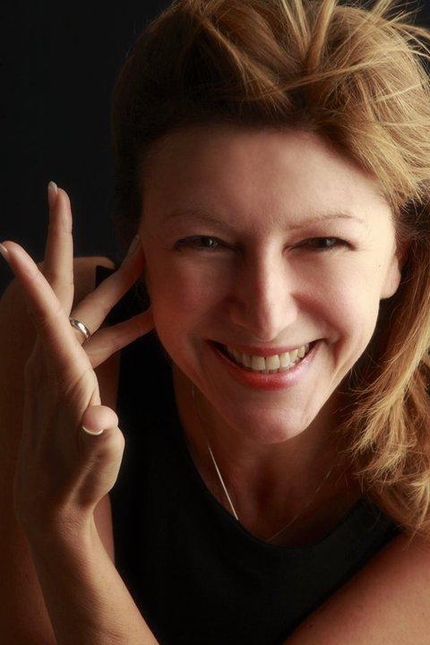 """A Marettimo la scrittrice Dianora Tinti presenta il nuovo libro """"Storia di un Manoscritto"""""""