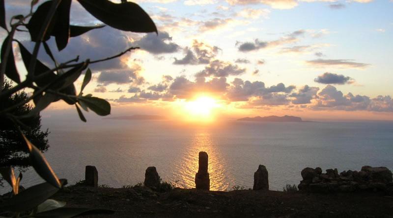 Alba alle Case Romane nell'isola di Marettimo